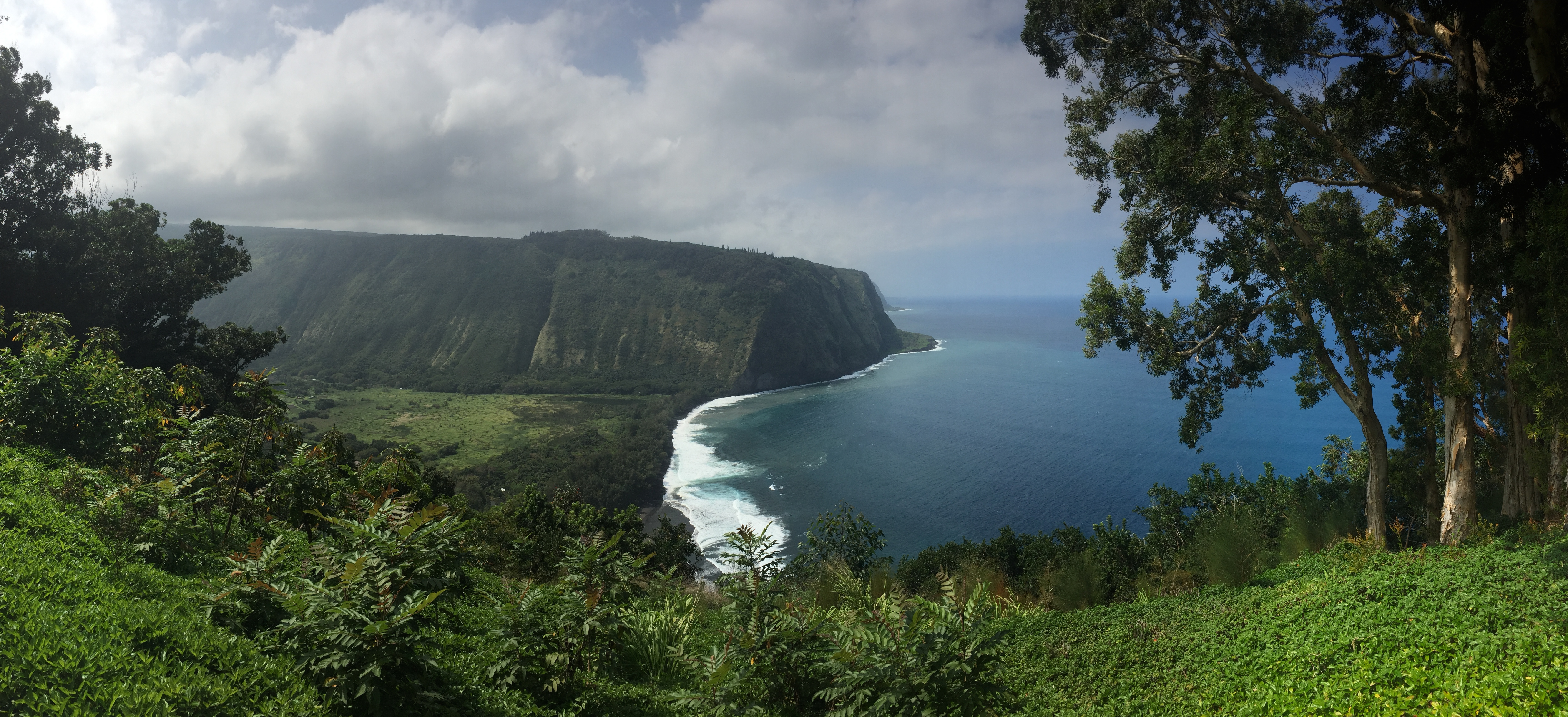 Hawaii the last leg waipio bay and back to kona the very few live on the floor a 25 grade 4wd road plunges down to hiking trails camping and beach access the road down was closed to all but locals due to nvjuhfo Image collections